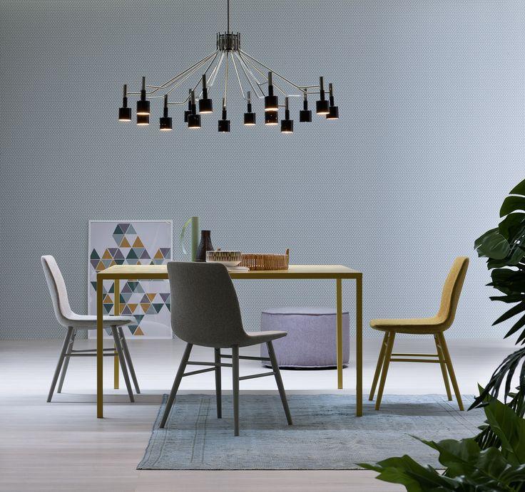Minimalistischer Design Esstisch Filo von Novamobili ist besonders grazil und elegant.   #tisch #stuhl #minimalistisch #modern #esszimmer #esstisch #diningroom #esszimmermöbel