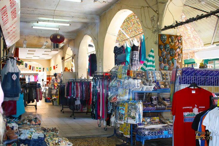 #Thessaloniki Shopping. Sidewalks of #Salonika #visitgreecegr #greeceinphotos