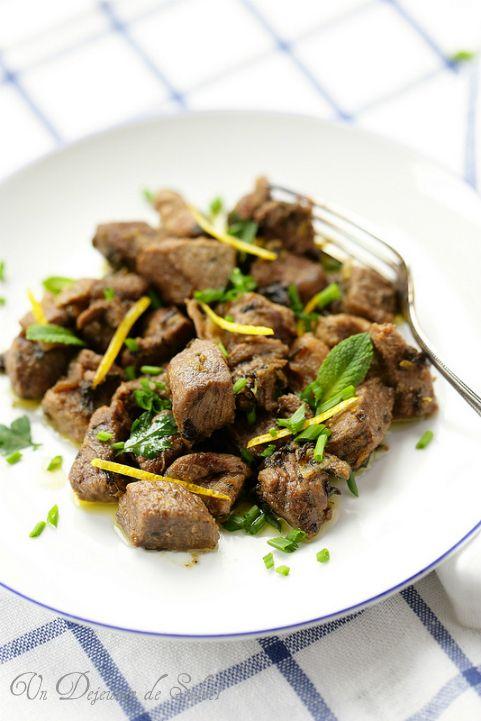Gigot d 39 agneau saut aux herbes et citron typique de la - Cuisine gigot d agneau ...