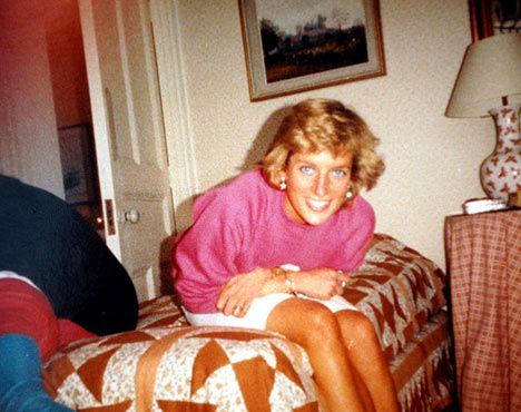 Perfect in Pink: Smiling Diana poses for William as he takes this picture