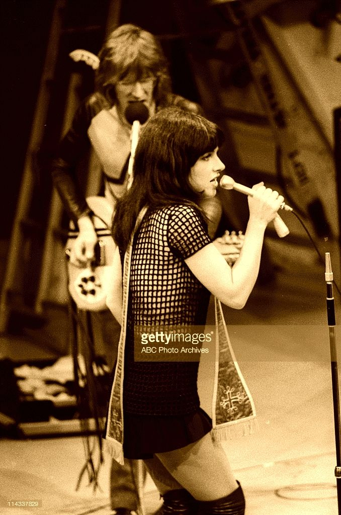Grace and Paul with Jefferson Airplane, March 26, 1970---The Dick Cavett Show.