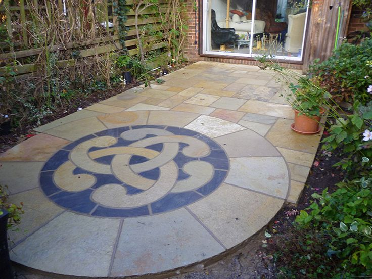 34 best images about paving circles on pinterest gardens for Ornamental garden features