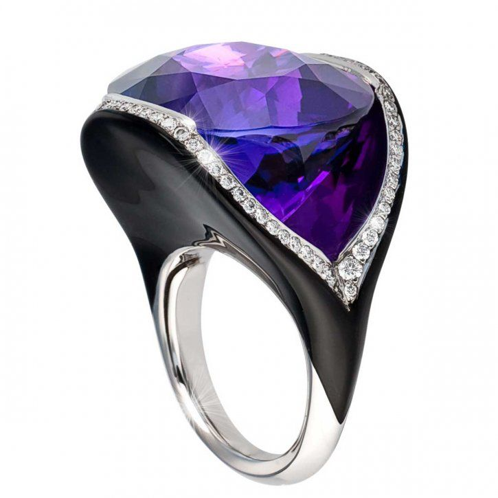 Ring created around a large central amethyst oval cut stone, this line consists of black lacquered white gold, set with diamonds by Dietrich
