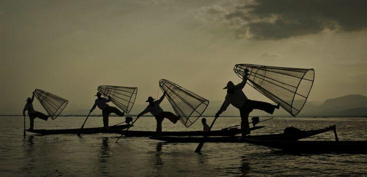 Танцующие рыбаки озера Инле — Андрей Лукашенко — AdMe Photo Awards 2013