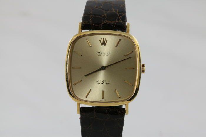 Rolex Cellini Ref. 4114/8 - Men's watch 30mm - 1975  Rolex Cellini ref. 4114/8 mannen kijken in 30mm Yellow gold case circa 1975. Allemaal origineel.Mint conditie ongepolijste zaak - alle gravures zijn duidelijk zichtbaar met het blote oog - originele Rolex bruin lederen riem in uitstekende staat - originele 18K geel gouden gesp.Wordt geleverd met doos en papieren.Serienummer: 429xxxxVerzekerde express verzending  EUR 250.00  Meer informatie