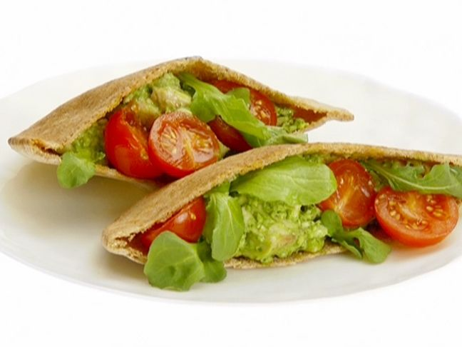 Giada's Chicken and Arugula Pita Pockets #Protein #Grains #MyPlate: Food Recipes, Fun Recipes, Giada De Laurentiis, Chicken Salad, Arugula Pesto, Pockets Recipes, Indian Food, Arugula Pita, Pita Pockets