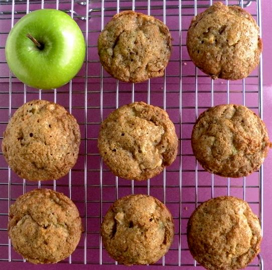 I like the pictures better than the recipe, which calls for 1 c oil.... but such a cute picture idea!Apples Cinnamon, Delicious Apples, Applezucchini Muffins, Cinnamon Zucchini, Apples Zucchini, Zucchini Apples Muffins, Apple'S Zucchini Muffins, Zucchini Apple Muffins, Apple Zucchini Muffins