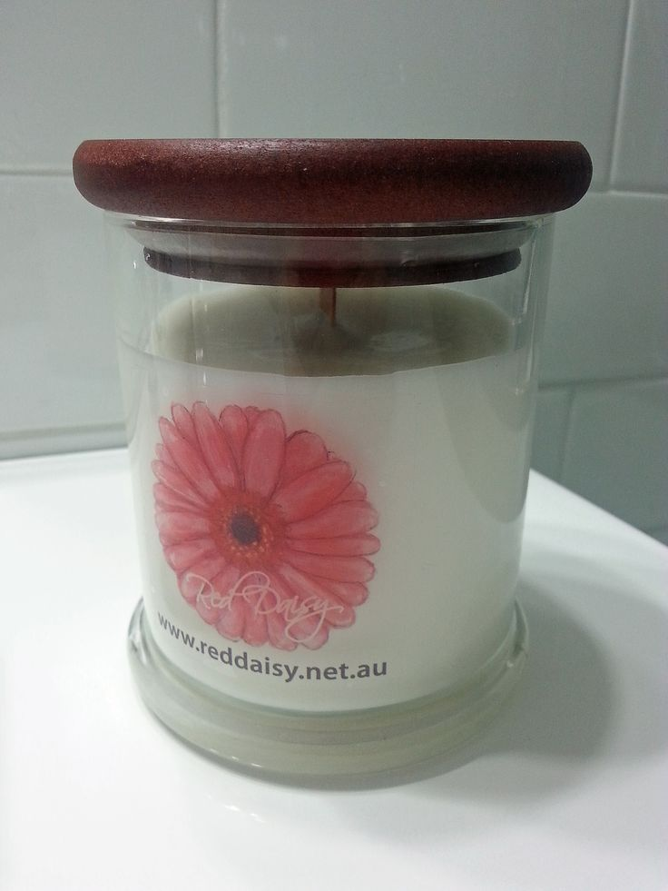 Extra Large Glass Jar has a burn time of approx 60 hours and features soy wax and a wood wick. Available in a variety of scents.