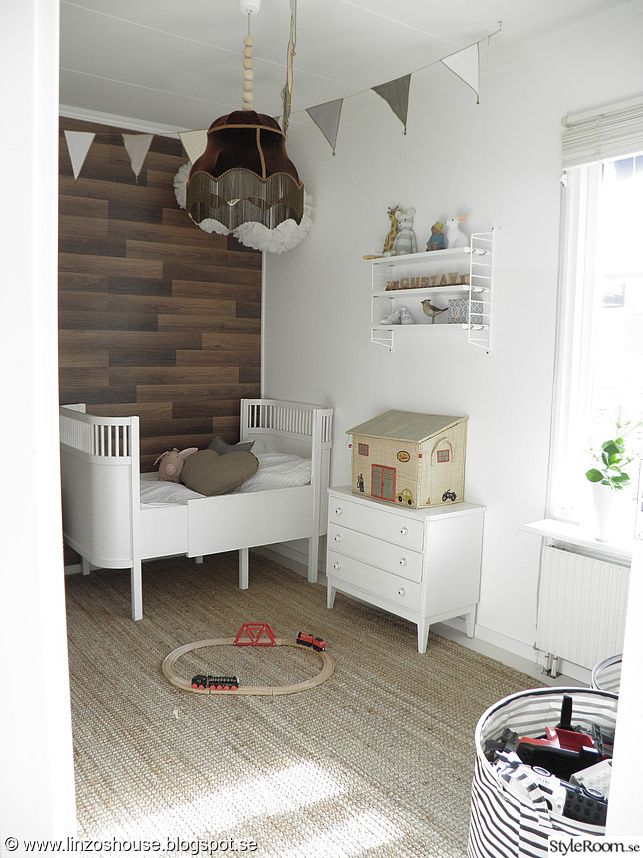 Barnrum med golv på vägg