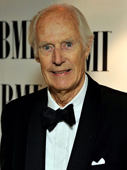 Sir George Martin Dies at 90: Legendary Producer Credited as the '5th Beatle' Signed Band When No One Else Would http://www.people.com/article/george-martin-beatles-producer-dead-at-90