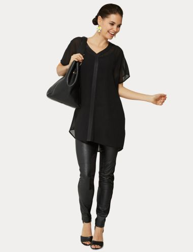 This relaxed-fit chiffon top is a chic option for a night out. It has PU detail around the neck and on the centre front, with an inverted box pleat down the centre back.