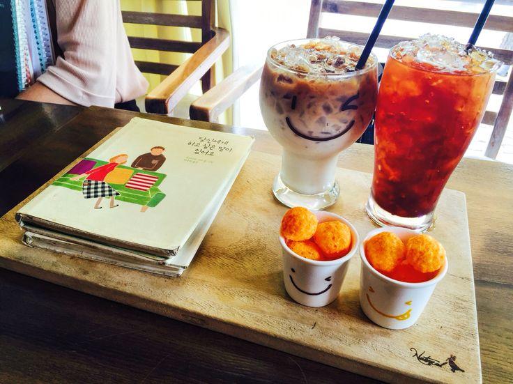 착한마음씨 in Daegu / Jun 9, 2016 / #Korea #Daegu #한국 #대구 #KNU #경북대학교 #경북대동문 #경북대정문 #커피 #Coffee #americano #아메리카노 #바닐라라떼 #latte #Cafe #카페 #디저트 #dessert