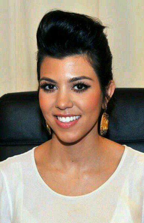 Courtney Kardashian ~