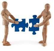 [Tesis] La relación de pareja. Apego, dinámicas de interacción y actitudes amorosas: consecuencias sobre la calidad de la relación. Un modelo integrado: las ideas irracionales afectivas en el marco de la terapia cognitiva. La teoría del apego (de los que derivan ideas irracionales afectivas) influyen a la dinámica y la calidad de la relación. La teoría ofrece un marco teórico explicativo del origen y el mantenimiento de las relaciones afectivas que supone un avance en la intervención.