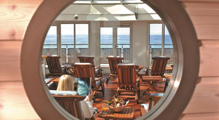Strand-Hotel Hübner Warnemünde Located directly on the beach in Warnemünde, this 4-star hotel provides spacious rooms with free Wi-Fi, a large spa, and a pool with panoramic sea views. A breakfast buffet is provided.  Strand-Hotel Hübner's rooms feature elegant marble bathrooms.