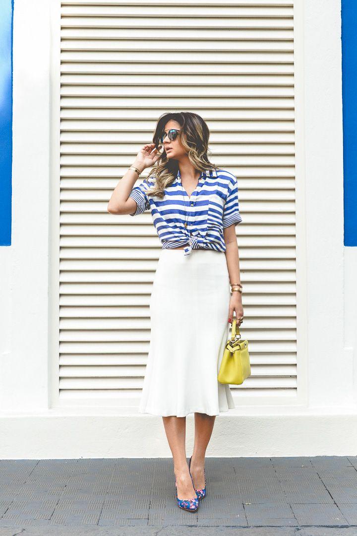 """Sou apaixonada pelas cores e a """"temática"""" do look de hoje! Acho que azul e branco cai bem em qualquer ocasião e de qualquer forma, listrado, estampado de flores, enfim, possibilidades mil! Selecionei um look no Gallerist para demonstrar essa minha paixão começando pela camisa listrada, que já é um xodó e combina com tudo! … Continuar lendo Meu look – Navy!"""