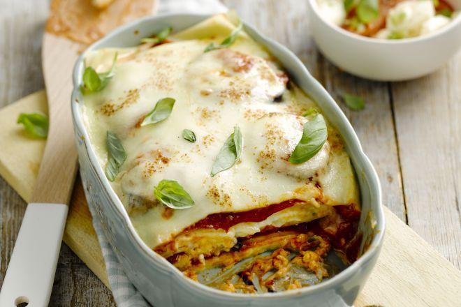 Vegetarische lasagne De vegetariërs onder ons worden zeker niet in de kou gelaten in dit artikel, want ook voor hen zijn er een tal van ovenschotels die ze klaar kunnen maken. Bij een goed vegetarisch gerecht mis je het vlees of de vis niet en dat is zeker het geval bij dit recept!