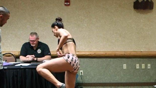 Skinula se zbog merenja pre borbe, a onda bila PRIMORANA na dosad neviđen potez u MMA!