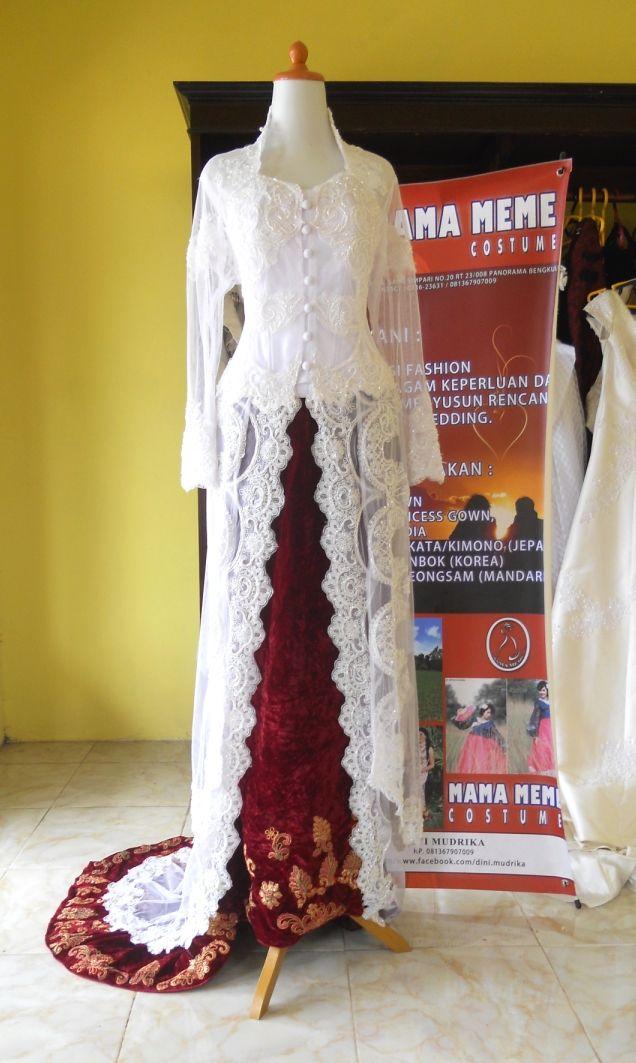 Kebaya Putih Bersih by Mama Meme Costume