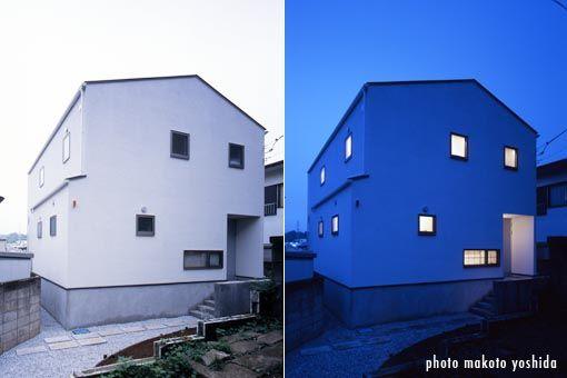 おうちっぽくてかわいい。ただ窓はもっと大きいとよい。(他の面だと大きいのかな) Builtlogic - 住宅建築 -