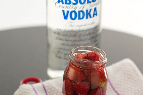 How to Make Vodka Soaked Strawberries: 9 Steps (with Pictures)
