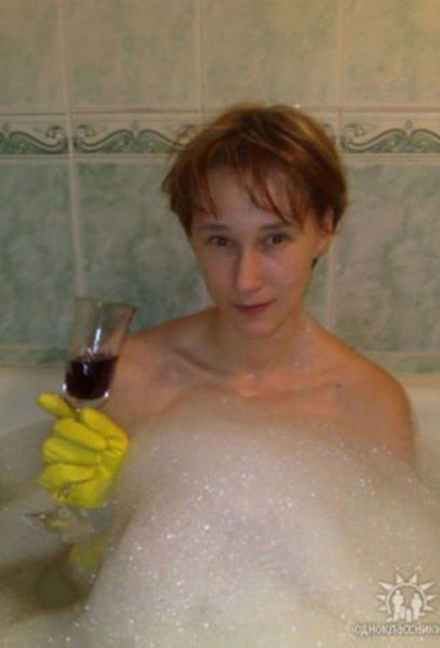 Some old Russian profile pics from dating website. Enjoy. - 9GAG
