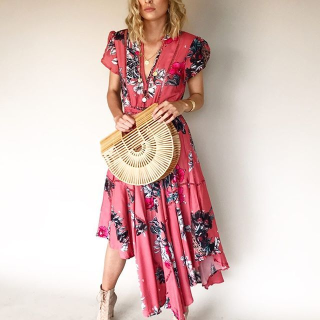 Saa pretty ✨🌺 Asher Maxi Dress in Rose Dreams #fave #fashion #dresses #rose #ginghamandheels ➰