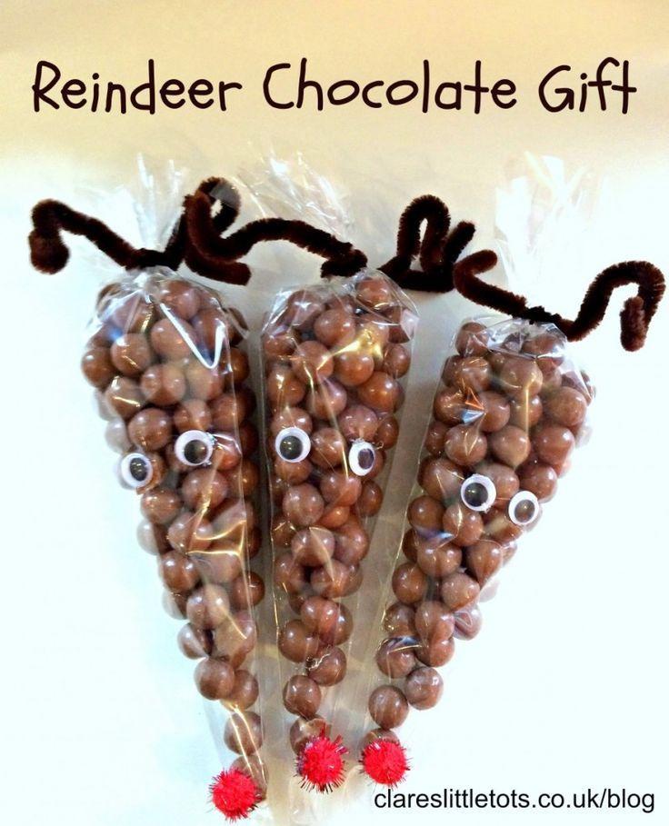 Reindeer chocolate gift. Easy DIY Christmas gift you can make with the kids.
