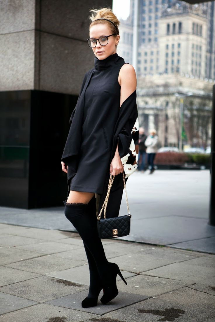 What Anna Wears wearing Mohito sexy little black dress #bloger #mohito #black