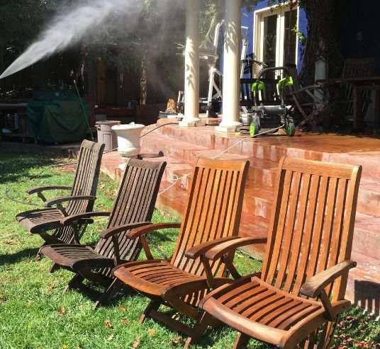 Patio furniture, be clean!