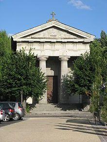 """Temple protestant de Saumur- Retraite et exil: en 1611, à l'Assemblée des Eglises protestantes de Saumur, d'Aubigné, élu pour le Poitou, ridiculise le parti des """"prudents"""" dans le Caducet ou l'Ange de la Paix. Il semblerait que c'est à cette époque qu'il se tourne vers l'écriture de ses oeuvres, et en particulier des Tragiques. Mais ce n'est pour lui qu'un autre moyen de prendre les armes, en multipliant les pamphlets anti catholiques et les attaques polémiques contre les protestants…"""