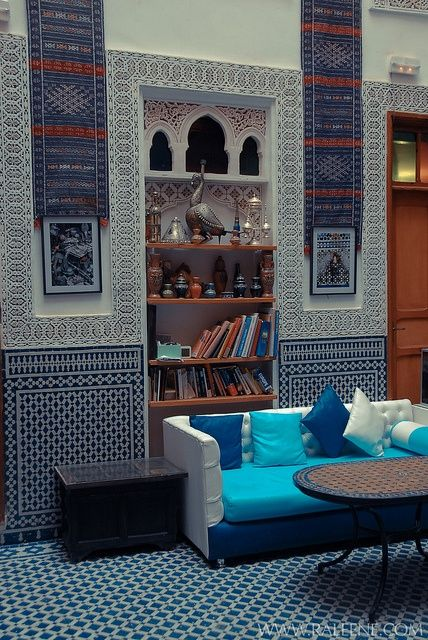 51 Inspiring Moroccan Living Rooms Relaxing With White Blue Wall Bookcase