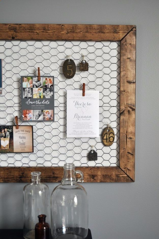 Best DIY Ideas With Chicken Wire - DIY Office Memo Board - Rustic Farmhouse Decor Tutorials With Chickenwire and Easy Vintage Shabby Chic Home Decor for Kitchen, Living Room and Bathroom - Creative Country Crafts, Furniture, Patio Decor and Rustic Wall Art and Accessories to Make and Sell diyjoy.com/... #artsandcraftshouse, #shabbychichomesdiy #vintagefarmhousedecor #shabbychicbathroomsdiy