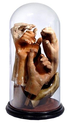 Collection of Early Hand Models in 17' Glass Dome  Sacré, spiritualité, pucelles, catins, sorcellerie. Mood board par Eugenie Bee https://popmontreal.com/fr/artistes/detail/eugenie-bee/?volet=puces-pop  Mood Board by Eugenie Bee Sacred, spirituality, virginity, harlot, witchcraft. https://popmontreal.com/en/artists/detail/eugenie-bee/?volet=puces-pop