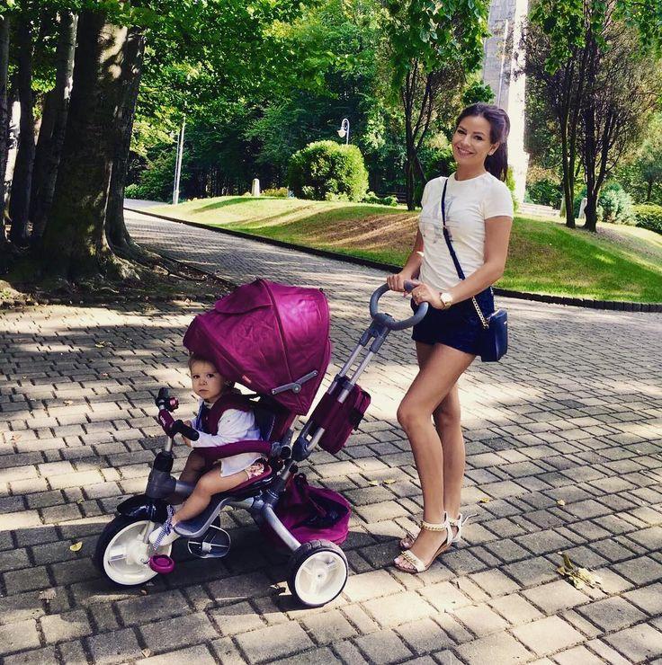 """Polubienia: 789, komentarze: 20 – Aleksandra 🌷 (@alexandra.sk) na Instagramie: """"Roczkowy prezent okazał się hitem 👌 śmiało możemy polecić trójkołowy rowerek Sun Baby Little Tiger…"""""""