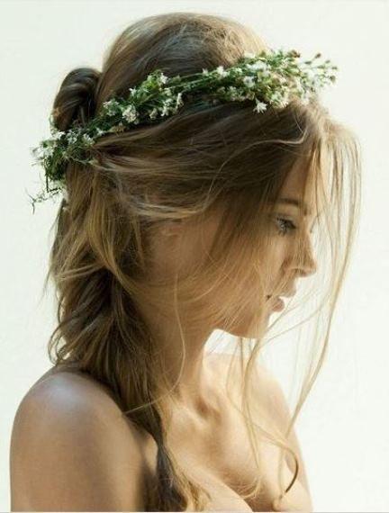 Ρομαντικά νυφικά hairstyles με λουλούδια   Jenny.gr