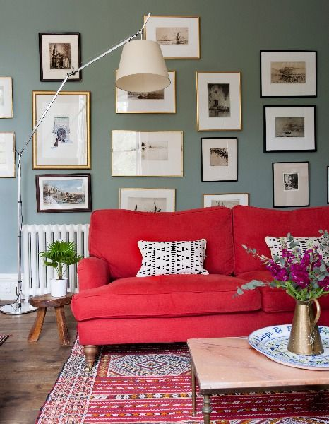 Red sofa at 5 Gayfield Square   Edinburgh Accommodation   Self Catering   Holiday   Festival   Short Let