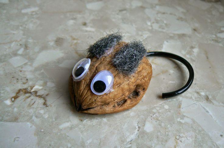 RedIbisGifts: Walnut Mouse