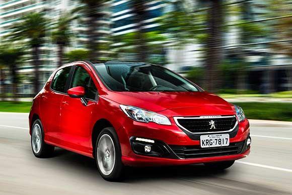 Com preços que variam entre R$ 85.490 e R$ 93.590, a linha 2017 dos Peugeot 308 e 408 passa a ser equipados unicamente com motor 1.6 THP. Leia mais...