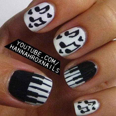 Piano and Music Notes Nails