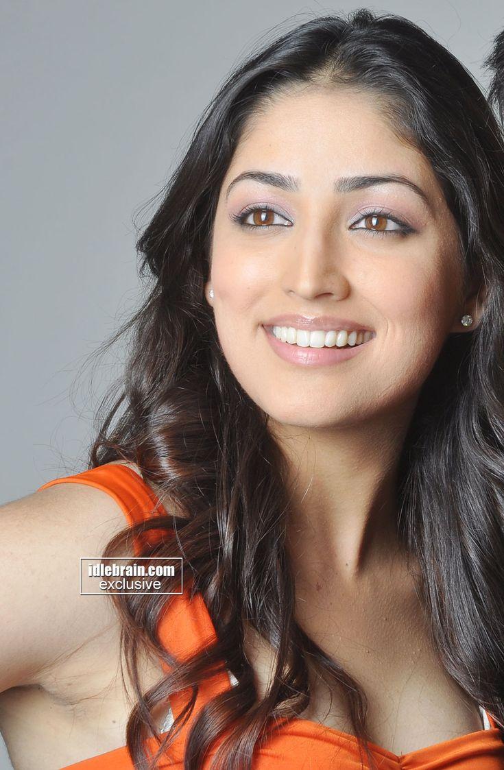 Yami Photo Gallery - Telugu Cinema Actress  Yami Gautam -9990
