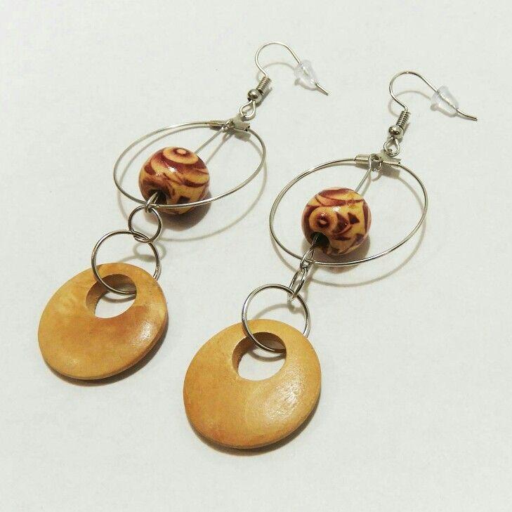 Voici ce que je viens d'ajouter dans ma boutique #etsy: Boucles d'oreilles en bois Boucles d'oreilles cercles Boucles d'oreilles métalliques Boucles d'oreilles Boho Boucles d'oreilles femme http://etsy.me/2APncek