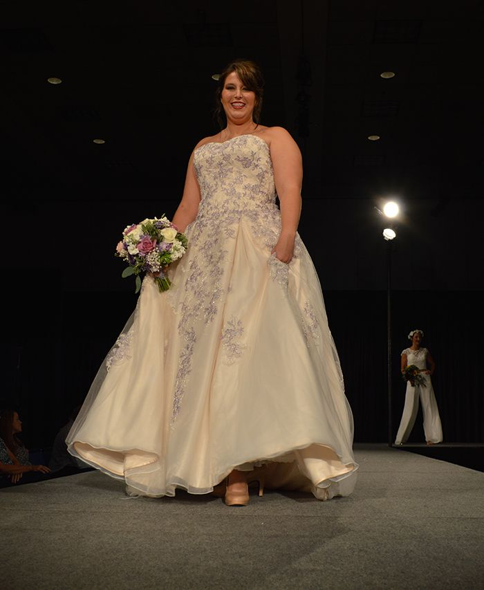 Wedding Gowns Cleveland Ohio: 1000+ Images About Gorgeous Gowns On Pinterest