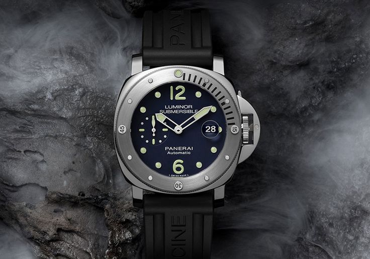 Officine Panerai Luminor Submersible Automatic Acciaio 44mm PAM731. Officine Panerai launched the Luminor Submersible Automatic Acciaio 44mm PAM00731, a limited edition model made in only 100 pieces and sold exclusively to online customers at Panerai's USA E-Boutique. Available at Panerai's USA E-Boutique, the Officine Panerai Luminor Submersible Automatic Acciaio 44mm PAM731 has a price of US$ 7,200.