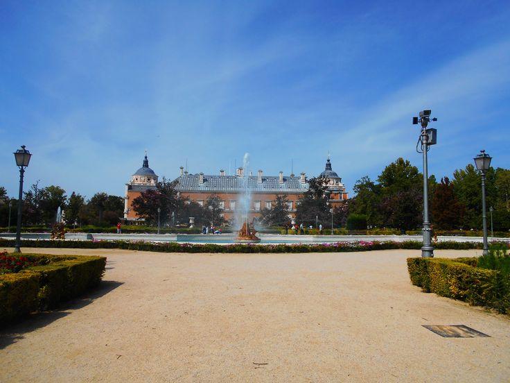 Fuente de Ceres y Palacio