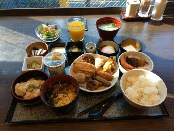 Japanese breakfast In Japan there are two kind of breakfast, traditional and occidental. Which do you prefer?
