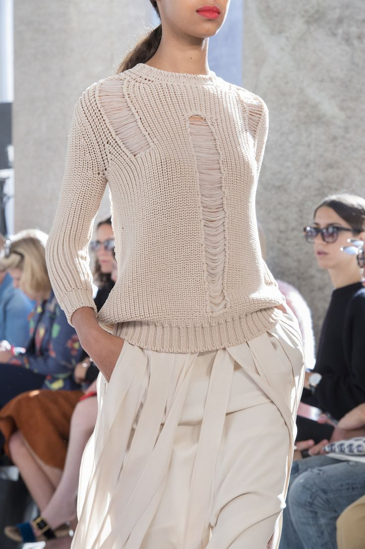 MaxMara at Milan Fashion Week Spring 2018 - Livingly