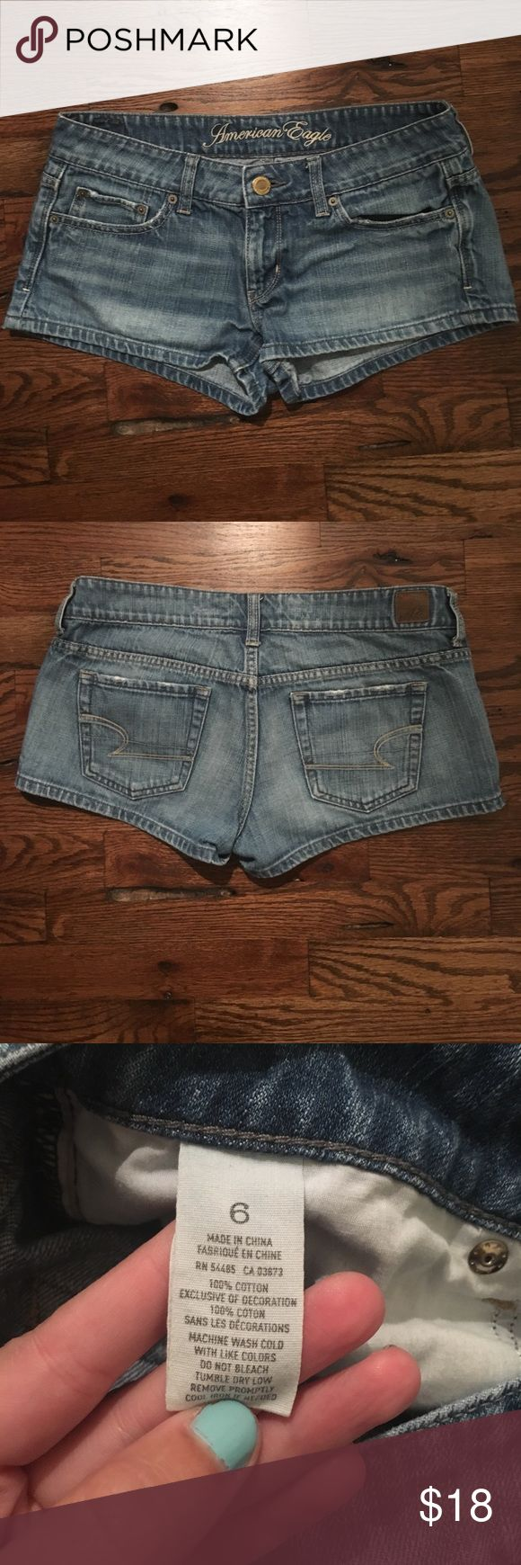 """American Eagle Daisy Duke Short Shorts Perfect for summer!! These Daisy Dukes have a 2"""" inseam, so you can show off your legs! Light wash with slight distressing on pockets. Authentic American Eagle Outfitters. Tag says size 6, but would fit a Misses 4 best! 🚫Please do not leave advertisements for your closet on my listings! No trades!🚫 American Eagle Outfitters Shorts Jean Shorts"""