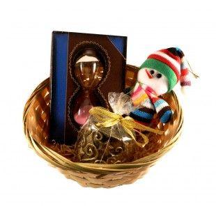 Aranjament cadou timeless gift - http://livediva.ro/cadouri-online/Secret-Santa-cadouri-pentru-colegi