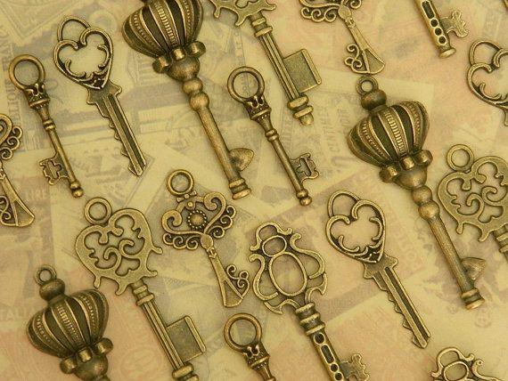 24  Alice in Wonderland skeleton keys steampunk key vintage old key set wedding favor jewelry supply wholesale antique keys bulk